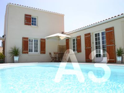 Photo for Welcoming One-Bed Apartment with Attractive Garden And Swimming Pool, Free WIFI