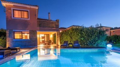 Photo for Large holiday home with 21 houses