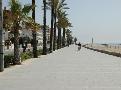 Photo for FAMILY APARTMENT 50 METERS FROM THE BEACH