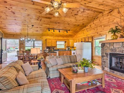 NEW! Picturesque Smoky Mtn Cabin w/Deck & Firepit!