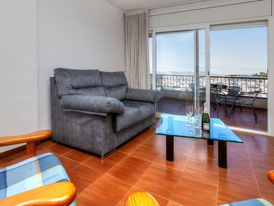 Photo for Cosy apartment for 4 people with TV and balcony