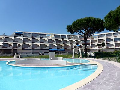 Photo for Nice apartment 2 rooms view swimming pool and port!