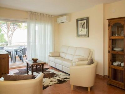Photo for Holiday apartment Pals for 4 - 6 persons with 3 bedrooms - Holiday apartment
