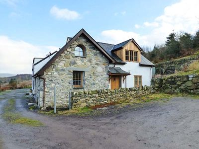 Photo for 2 FRON OLEU, family friendly, with open fire in Llanrug, Ref 915431
