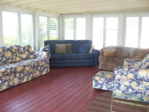 Duplex w/private enclosed porch great for hot sunny or rainy days! Short drive to Scarborough Beach.