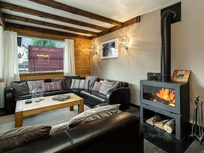 Photo for Beautiful chalet facing Mont Blanc and Bossons Glacier located within walking distance of the centre