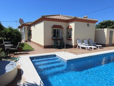 Photo for Villa Elissa - Charming and comfortable holiday villa with pool and bbq in quiet location