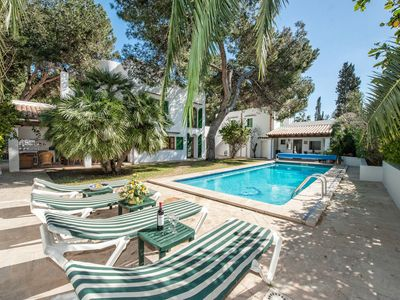 Photo for Wonderful 5 Bed Villa With Private Pool In Cala D'Or Centre