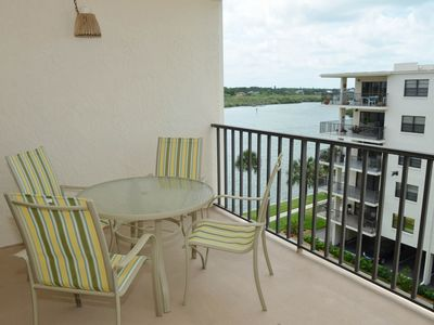 Photo for NEW LISTING! Light & airy condo w/balcony, shared pool, hot tub & beach access