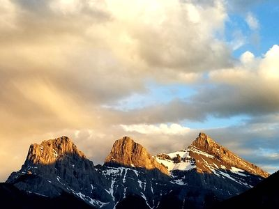 Photo for Panorama Mountain Views! Luxurious 5Brs/4.5Ba Townhome at Mercer, Canmore for 12
