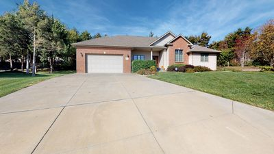 The Sunrise House is Family and Large Group Friendly just 10 Minutes from KSU