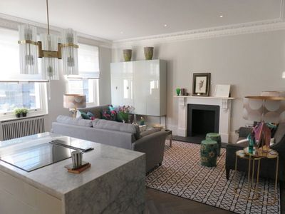 Photo for Luxury apartment in Hyde Park area