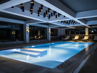 Photo for Villa Luxury with indoor and outdoor Pool