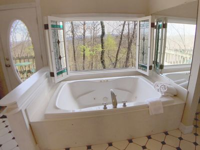 Ozark Spring Cabins, Spring Haven #6, King Bed, Giant Spa Tub, Kitchen, Secluded, Private Deck