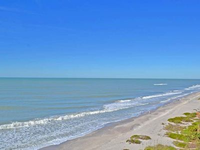 Photo for Beautiful Gulf Front condo, sleeps up to 6