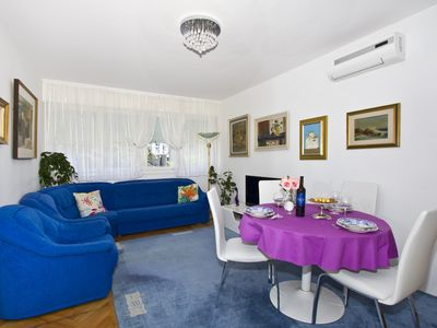 Photo for Reside like local in this sunny apartment with balcony