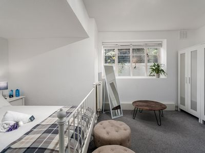 Photo for Spacious Pentonville road Apartment - MLH