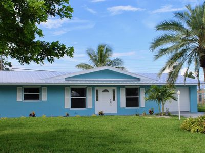 Photo for Coastal Getaway in downtown Jensen Beach just 10 mins from the beach.