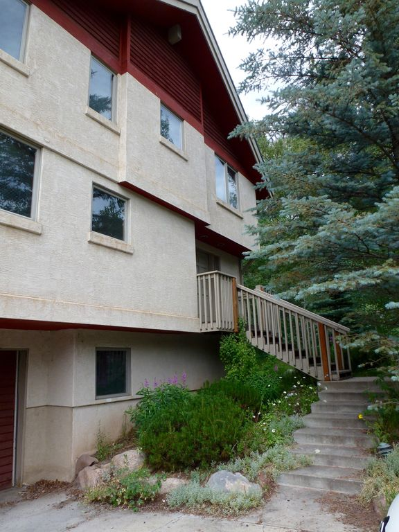Creek Side Home On Free In Town Bus Route That Takes You To The Ski Area