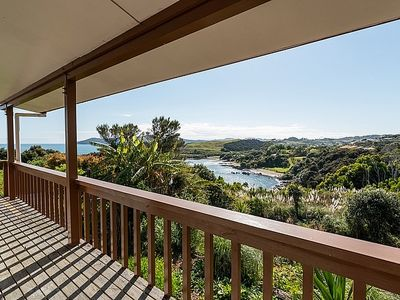 Photo for Chucks Cove Retreat - Cable Bay Holiday Home