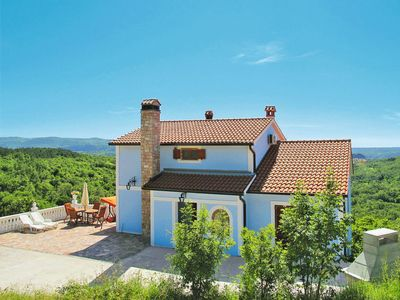 Photo for 4 bedroom Villa, sleeps 8 in Vicani with Pool, Air Con and WiFi