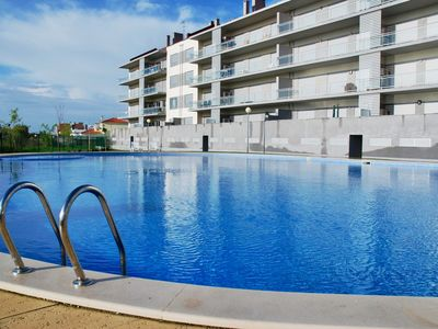 Photo for Solar - 3 bedroom apartment in complex with pool and view over the sea.
