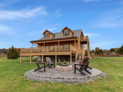 Photo for Castello: Upscale Cabin With A Beautiful Lake View!