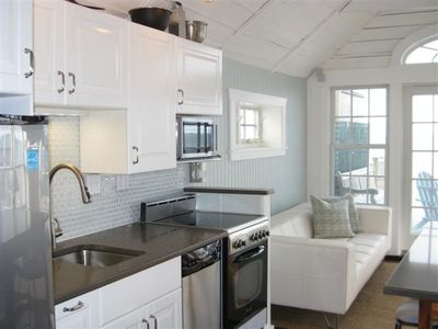 Well equipped sparkling kitchen
