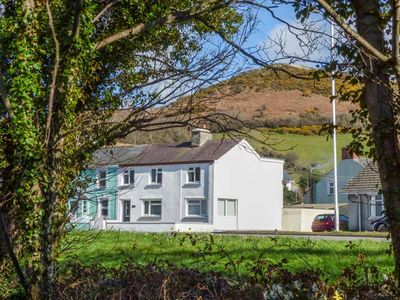 Photo for 4BR Cottage Vacation Rental in Llanrhystud