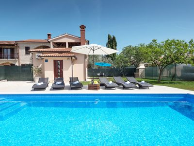 Photo for This 2-bedroom villa for up to 6 guests is located in Pula and has a private swimming pool, air-cond