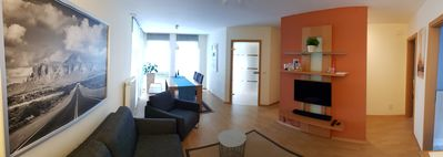 Photo for Chic 2 bedroom basement apartment with a separate entrance in Einfamilienhau