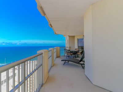Photo for Amazing Ocean and Sunrise views on 23rd floor with full Hilton Pools access