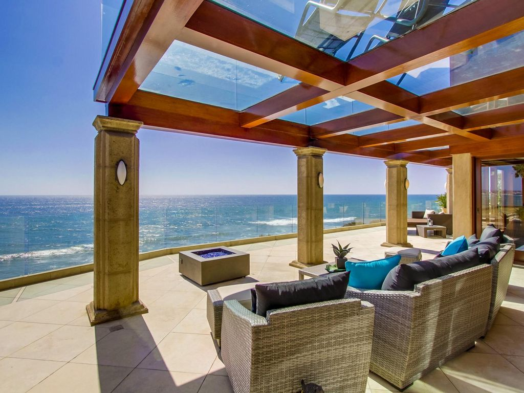 Stunning Custom Ocean Front Home With Pool Spa