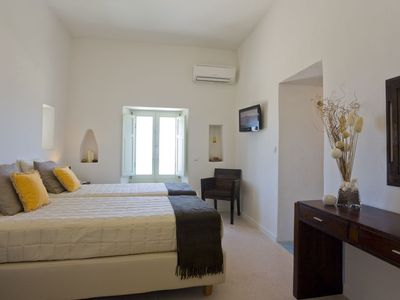 Photo for R 933 Aileen Villa with Garden View, Outdoor Jacuzzi & House Wine and Fruit Basket upon arrival - Br