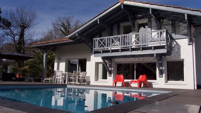 Photo for Modern house with pool on the Golf du Makila Bassussarry