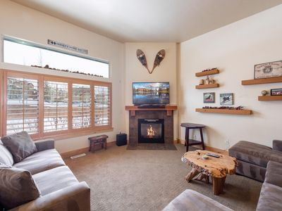 Photo for Luxury Townhome; Minutes to Slopes; Private HotTub; Gourmet Kitchen