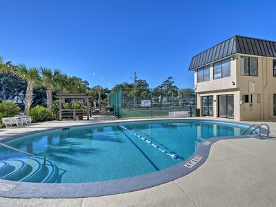 Photo for Myrtle Beach Condo w/ Pool & Tennis, Walk to Beach