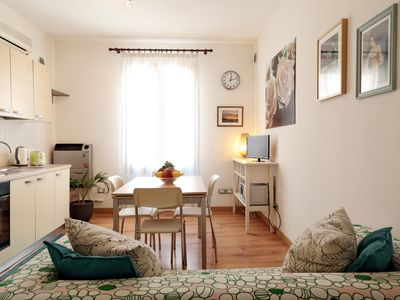 Photo for Old town charming VERDE apartment, 2 steps from Piazza Erbe Duomo WiFi AC
