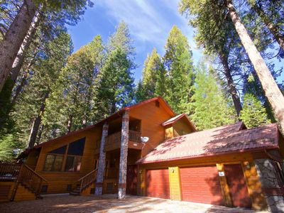 Photo for Fish Camp Retreat — Large Home Just Minutes from Yosemite's South Entrance!