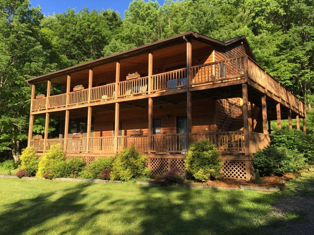 with deep hot rustic for lake in west cabins rent area creek deepcreek and rental tub cabin virginia wv