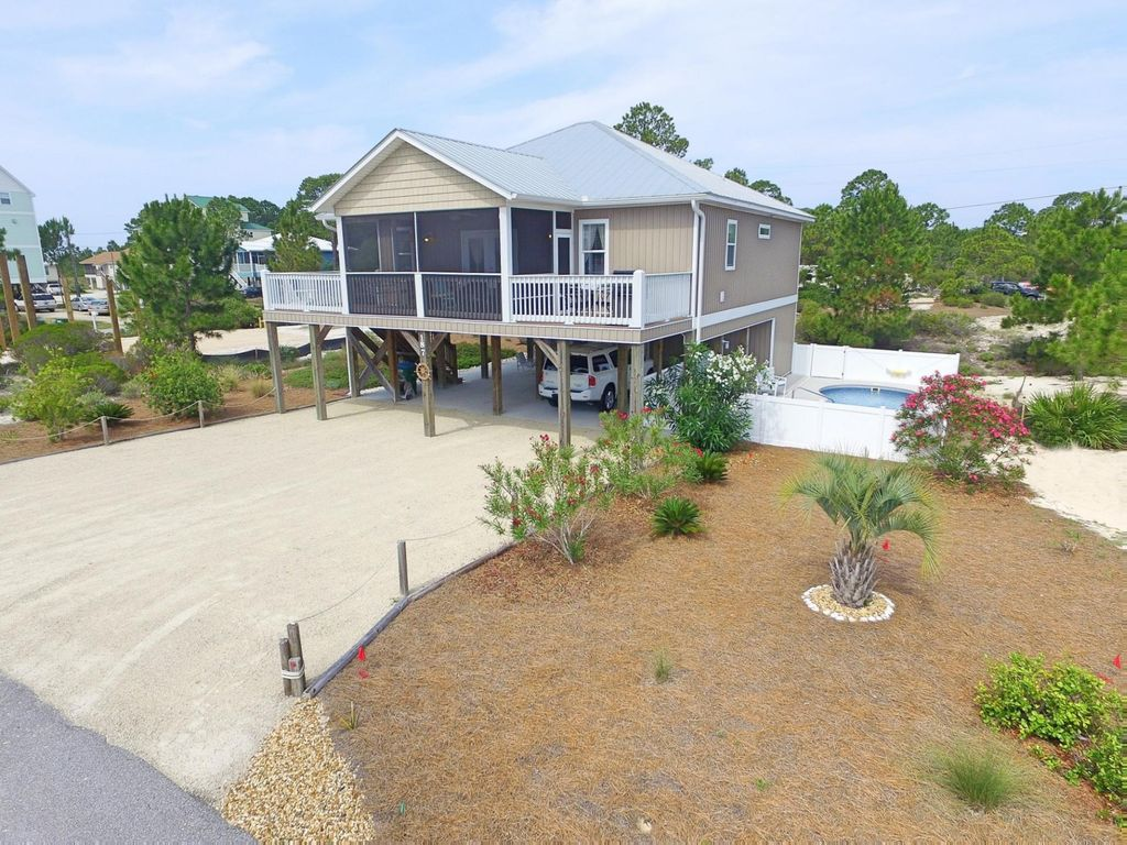 Cottage At Surfside One Level Pet Friendly Cottage With Private Pool 4277708