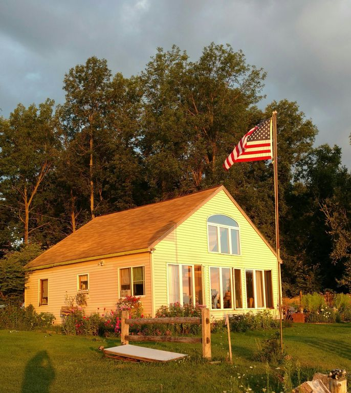 Private 2 Bedroom, Year-round Cottage On Lake Champlain