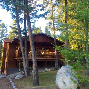 Photo for Perfect Cabin for families, couples & dogs, minutes from a soak in Hot Springs