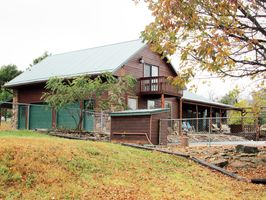 Photo for 5BR Lodge Vacation Rental in COMPTON, Arkansas