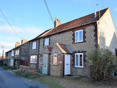Photo for 2 bedroom Cottage in Burnham Market - KT053
