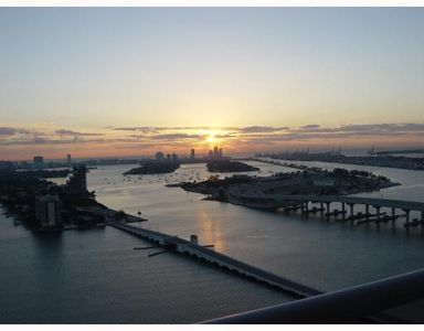 Upscale waterfront condo in Heart of Miami with stunning view of Downtown & Bay