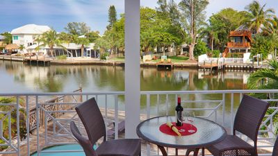 Coral Castle - Waterfront! 3 Min Walk To Beach!