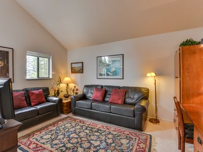 Photo for Second-floor studio condo w/ shared pools, close to golf & shopping!