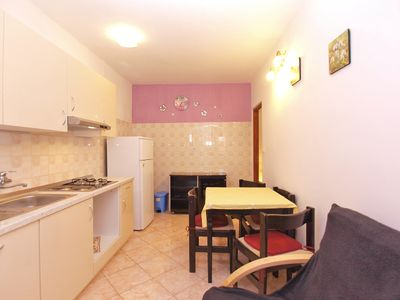 Photo for Apartment for 4 persons with 2 extra beds and 2 bedrooms (ID 5096)