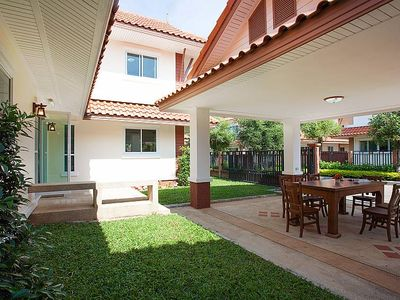 Photo for 4BR House Vacation Rental in Pattaya, Ostthailand